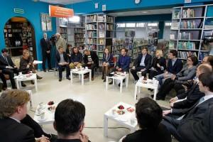Dmitrij Medvedev vstretilsja s rossijskimi bloggerami