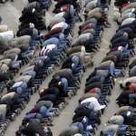 Миллионы исламистов по всему миру начали праздновать Курбан-байрам