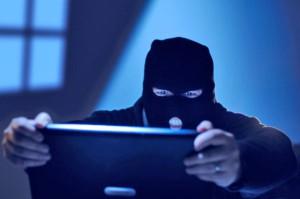 Onlajn piraty namereny provesti hakerskuju ataku na social'nuju set' Facebook