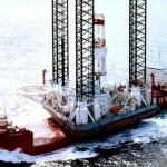 Тонущие нефтяники могли спастись, но им не скинули спасательные плоты