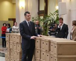 Podpisi v podderzhku Prohorova uspeshno proshli proverku