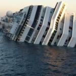 Российские пассажиры лайнера Costa Concordia давали взятки экипажу за места в лодках