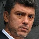 Борис Немцов избил блогера пытавшегося взять у него иньерьвю