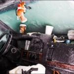 Мужчина просидел в заваленной снегом машине 44 дня