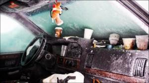Muzhchina prosidel v zavalennoj snegom mashine 44 dnja