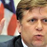 Американского посла преследуют журналисты НТВ