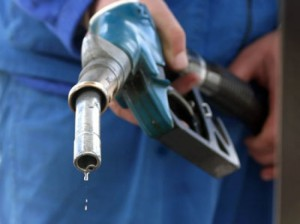 Ceny na benzin nachnut rasti s maja 2012 goda