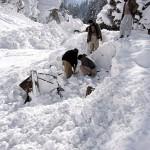 В результате схода лавины погибло 135 человек
