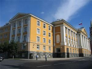 Po resheniju Putina v Moskovskom Kremle budut postroeny ofisy