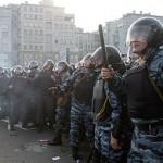В результате столкновений на Болотной было задержано 250 человек, 20 полицейских получили ранения