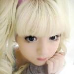 Ролик «живой куклы» просто взорвали всемирную сеть