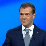 Медведев поддержал учителей
