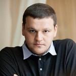 Известного блогера Митю Алешковского задержали в Пулково