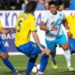 «Ростов» сумел отнять очки у «Зенита», который фактически лишился шансов на чемпионство.