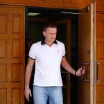 Суд, несмотря на ходатайство прокуратуры, не стал арестовывать Алексея Навального