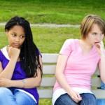 Ученые заявили, что при долгом контакте депрессия может передаваться от человека к человеку