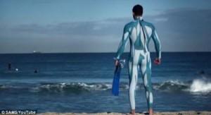 Антиакулий костюм для плавания: специалисты из Австралии разработали костюм, которые «отталкивает» хищников