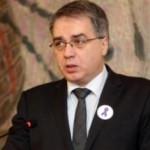Министр из Грузии сделал перевязку бомжу при помощи своего галстука