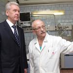 Собянин хочет лечить москвичей в поликлиниках