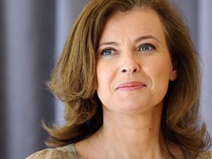 Стержневая леди Франции легла в лечебницу, узнав о сопернице
