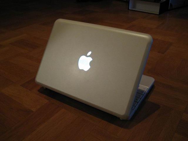 Исследователи обнаружили уязвимость старых компьютеров марки Мак