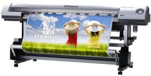 Популярный вид наружной рекламы: широкоформатная печать баннеров