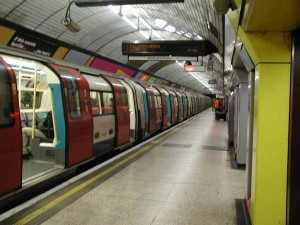 Лондонские метро бастуют двое суток за свои должности