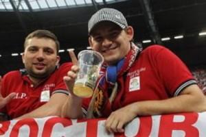 В России разрешили пить пиво во время просмотра футбольного матча