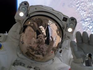 Сообщение на Орбиту в день космонавтики