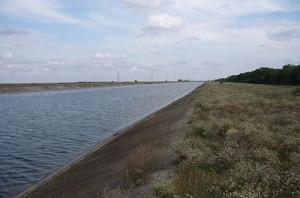 Министерство обороны России в несколько раз увеличило объем подачи воды на юго-восток Крыма
